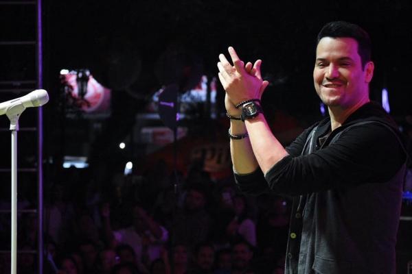 Victor Manuelle conquista a America Latina
